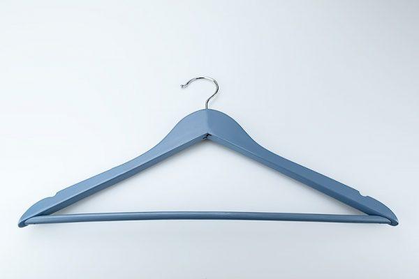 Produktfotografie von einer blauen Kleiderbügel - Michael Lønfeldt Marketing